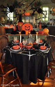 via http://www.world-real-estate.com/20-simple-genius-halloween-decoration-ideas/