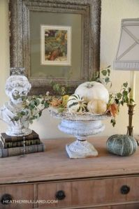 via http://www.houzz.com/ideabooks/741181/list/36-Stylish-and-Spooky-Halloween-Decorating-Ideas