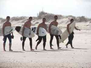 surfers_group2